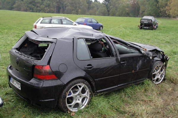 crash golf iv tuning fabia rs. Black Bedroom Furniture Sets. Home Design Ideas